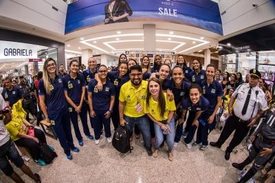 Cuiabá (MT) - 21.07.2017 - Sessão de autógrafos - Seleção feminina