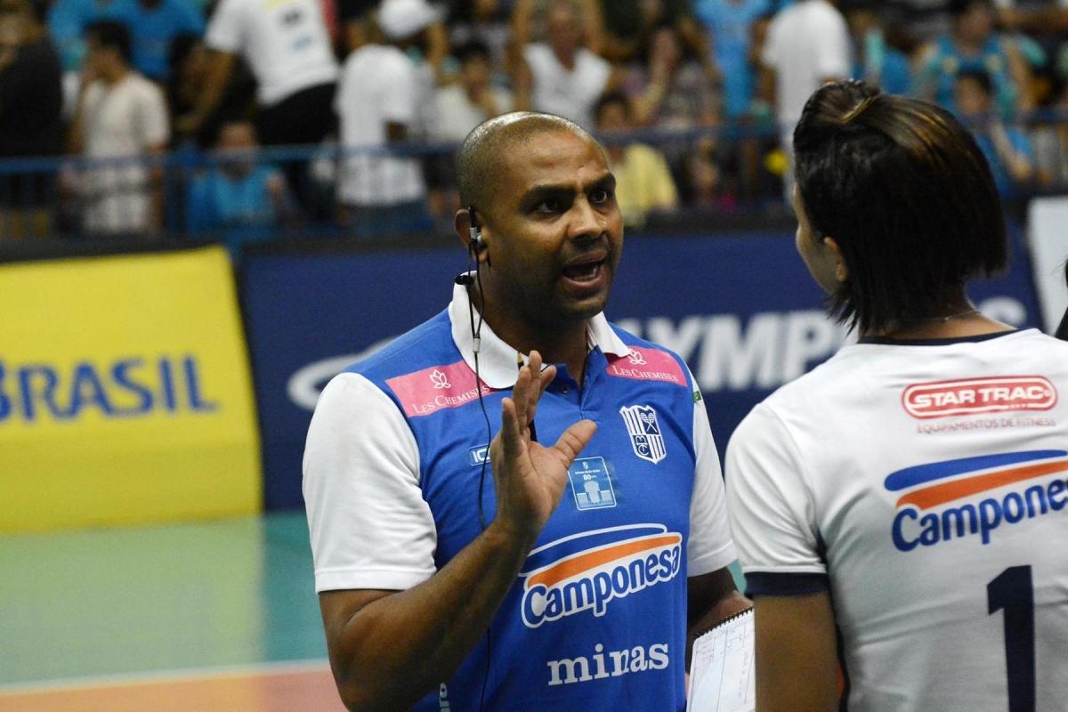 Campeão olímpico, Anderson, é convidado para acompanhar treinos do Brasil