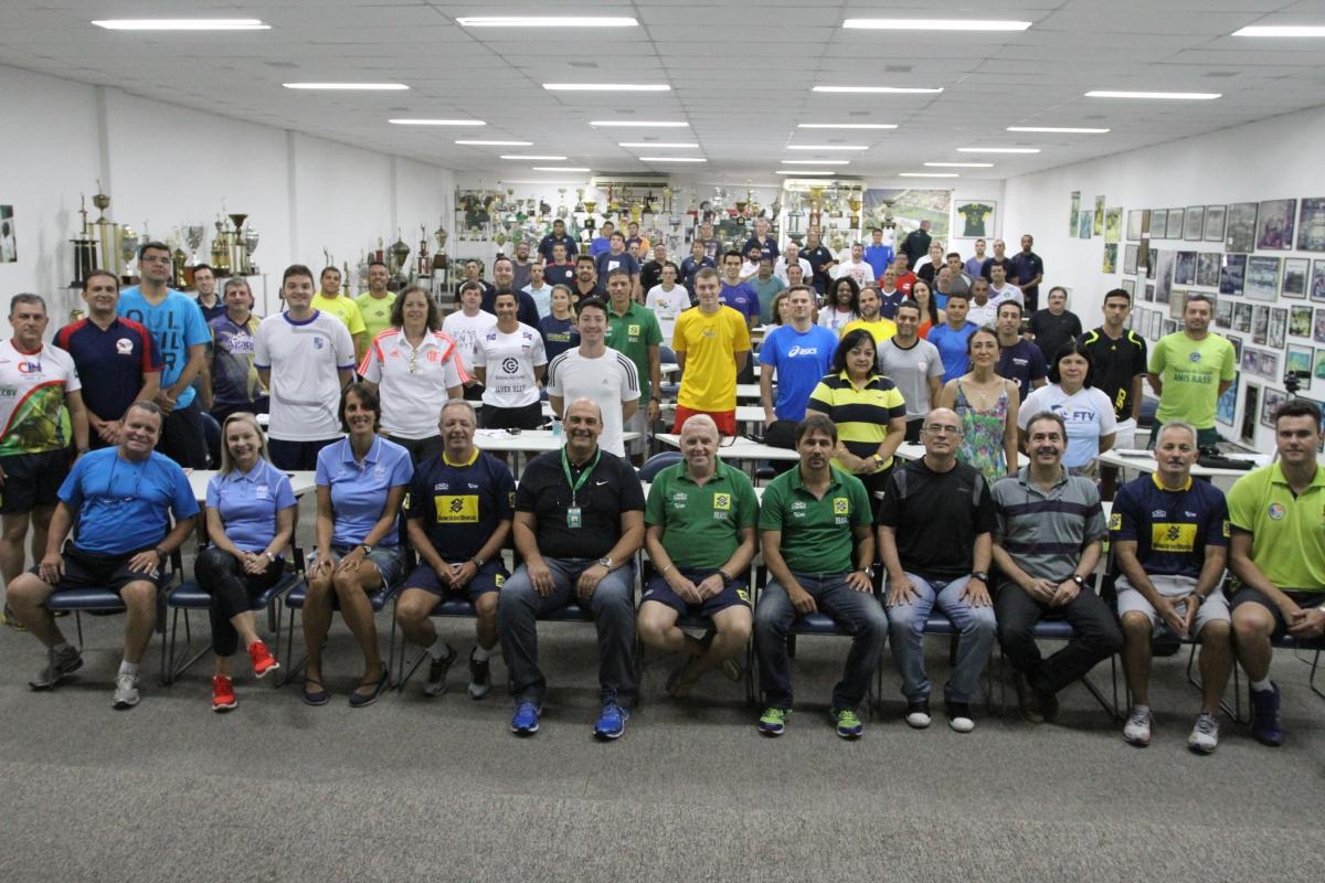 A casa do voleibol brasileiro recebeu o IV Encontro de Técnicos Formadores