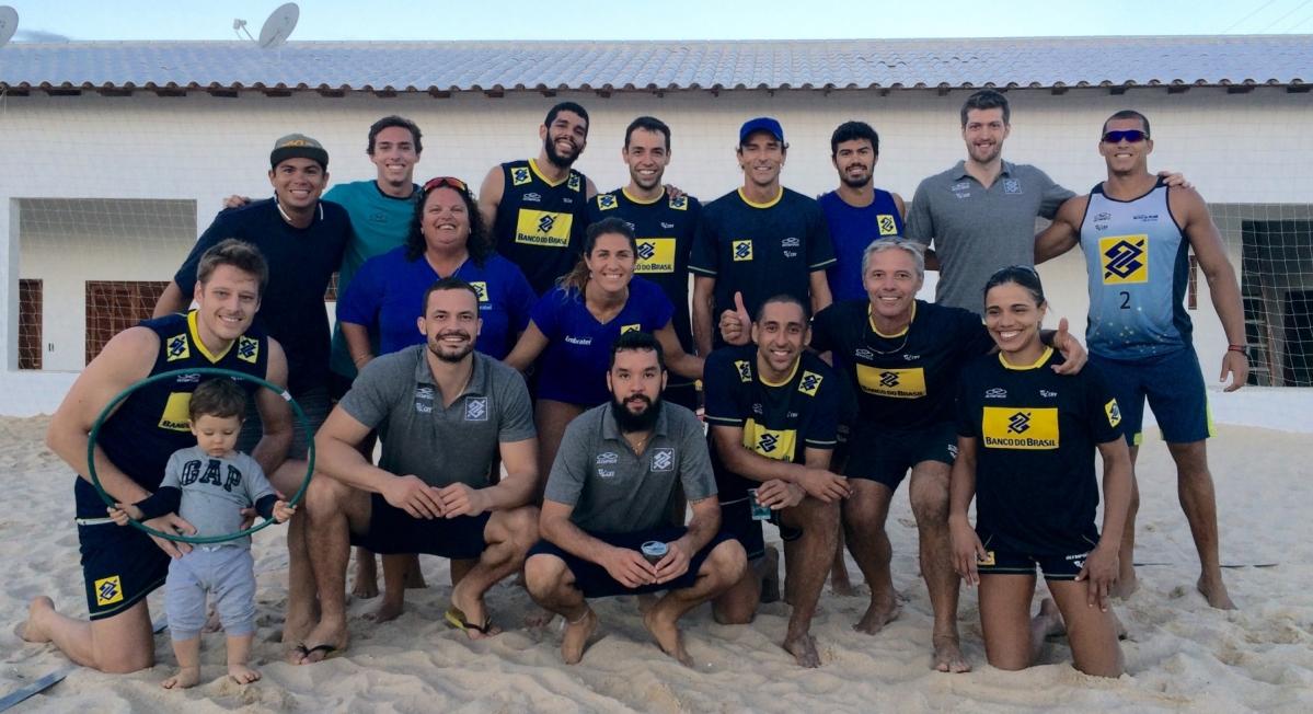 Integração diverte atletas da praia e da quadra