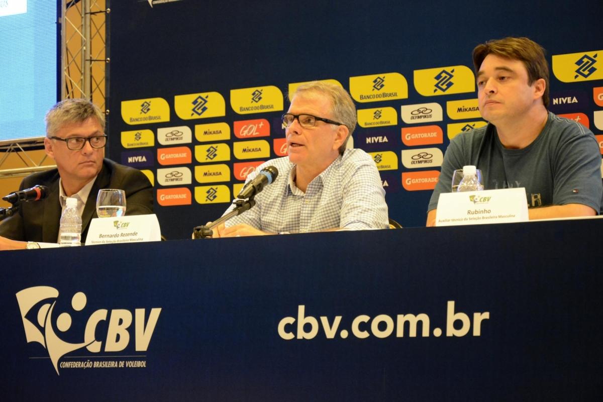 SELEÇÃO MASCULINA: Bernardinho anuncia lista de 25 jogadores inscritos na Liga Mundial