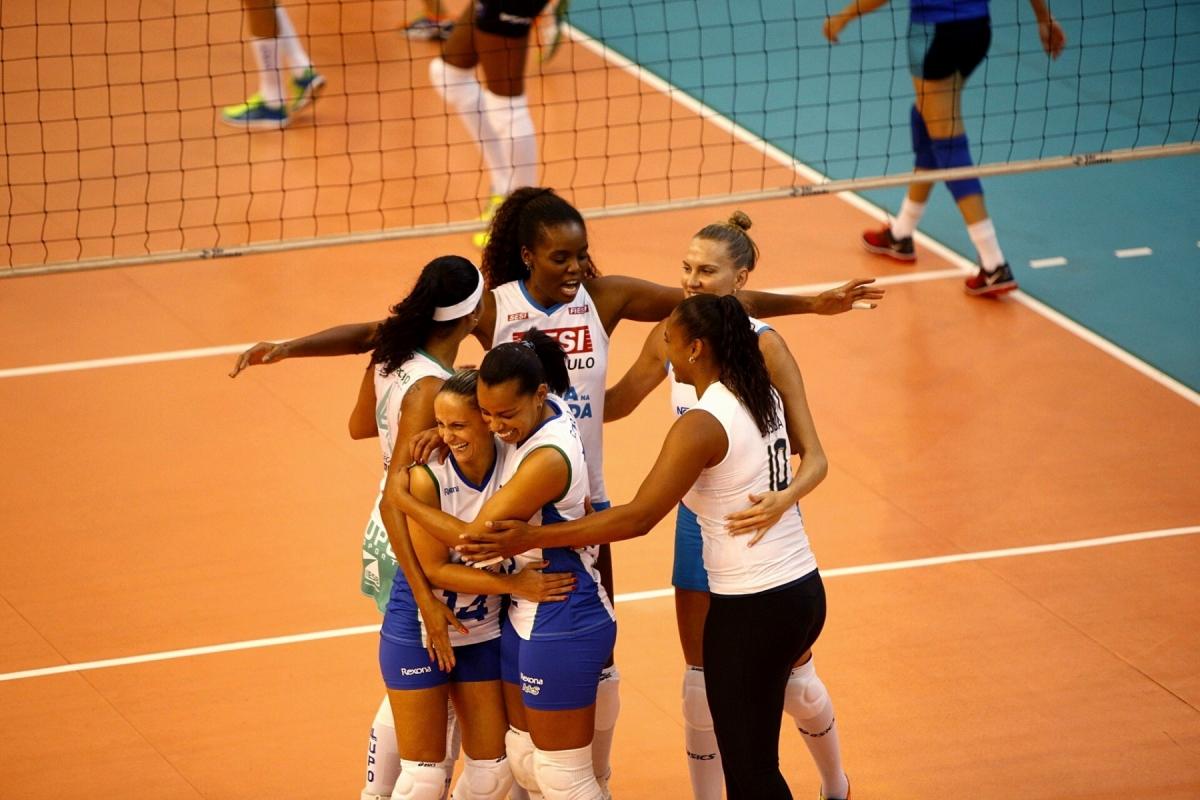 Levantadora faz sua despedida oficial em partida festiva com a presença de diferentes gerações do voleibol brasileiro