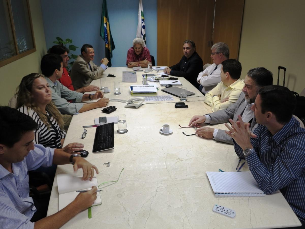 Diretoria da CBV recebe Rio 2016 em encontro sobre eventos-testes