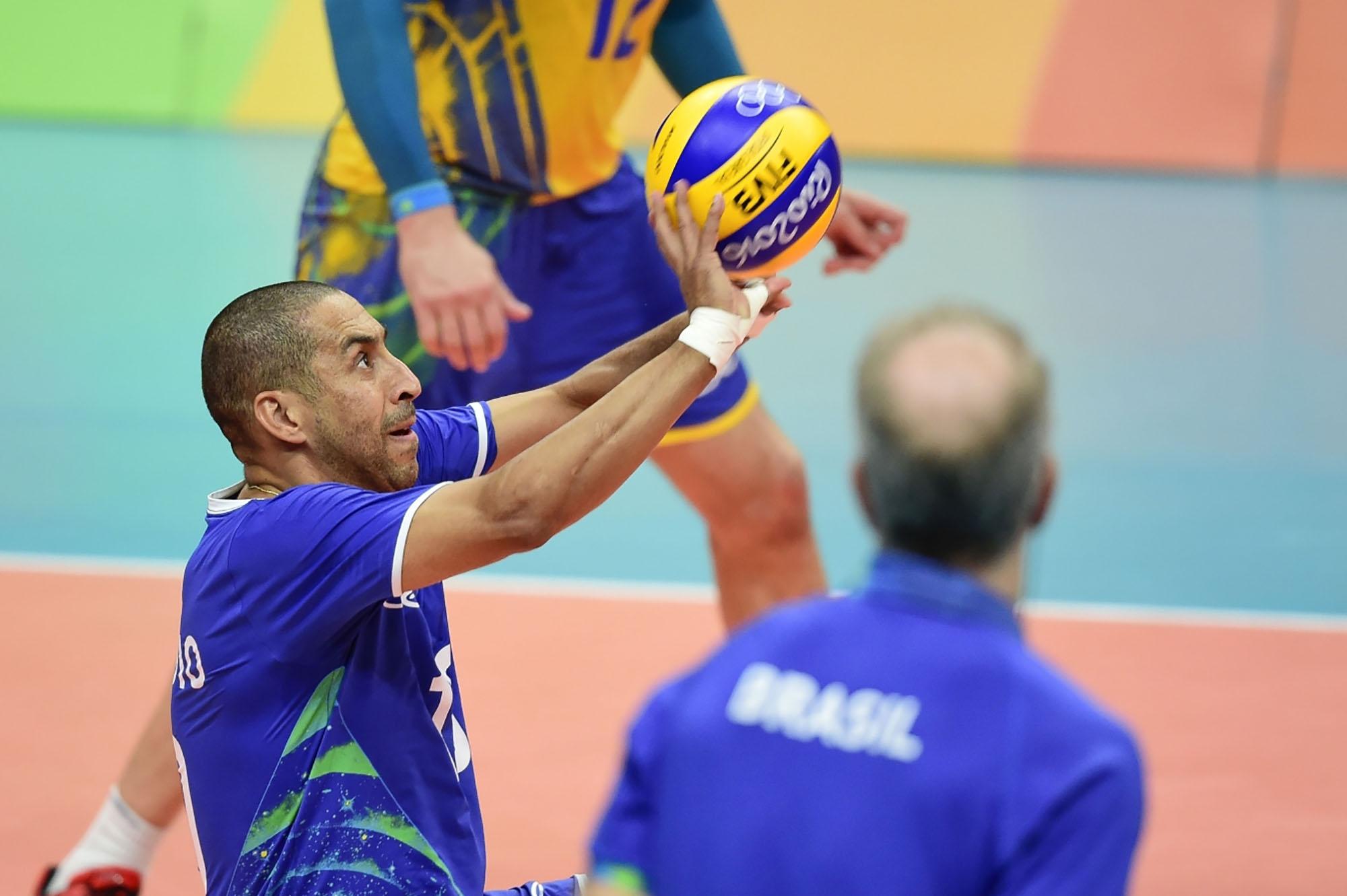 Brasil e Itália disputam a medalha de ouro neste domingo
