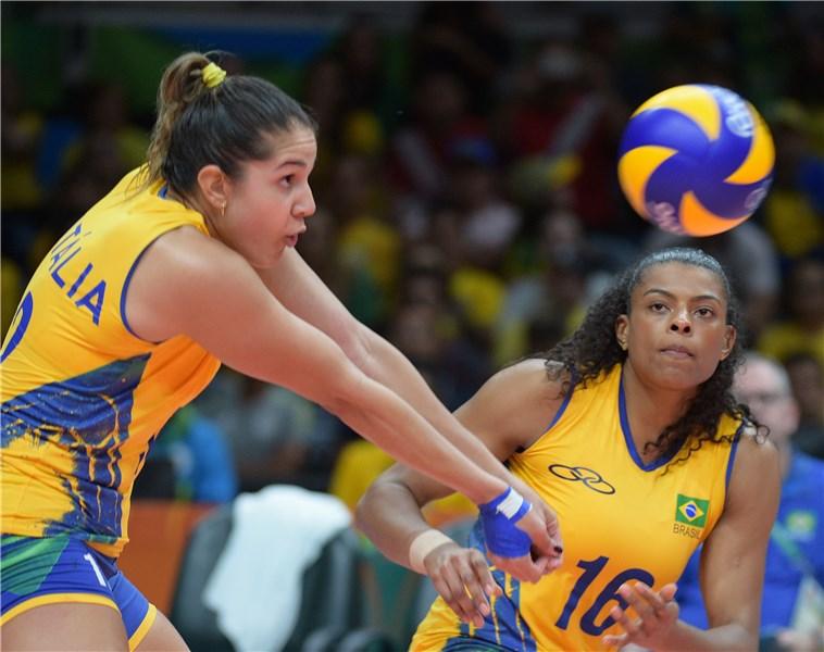 Brasil enfrenta a Rússia em busca do primeiro lugar