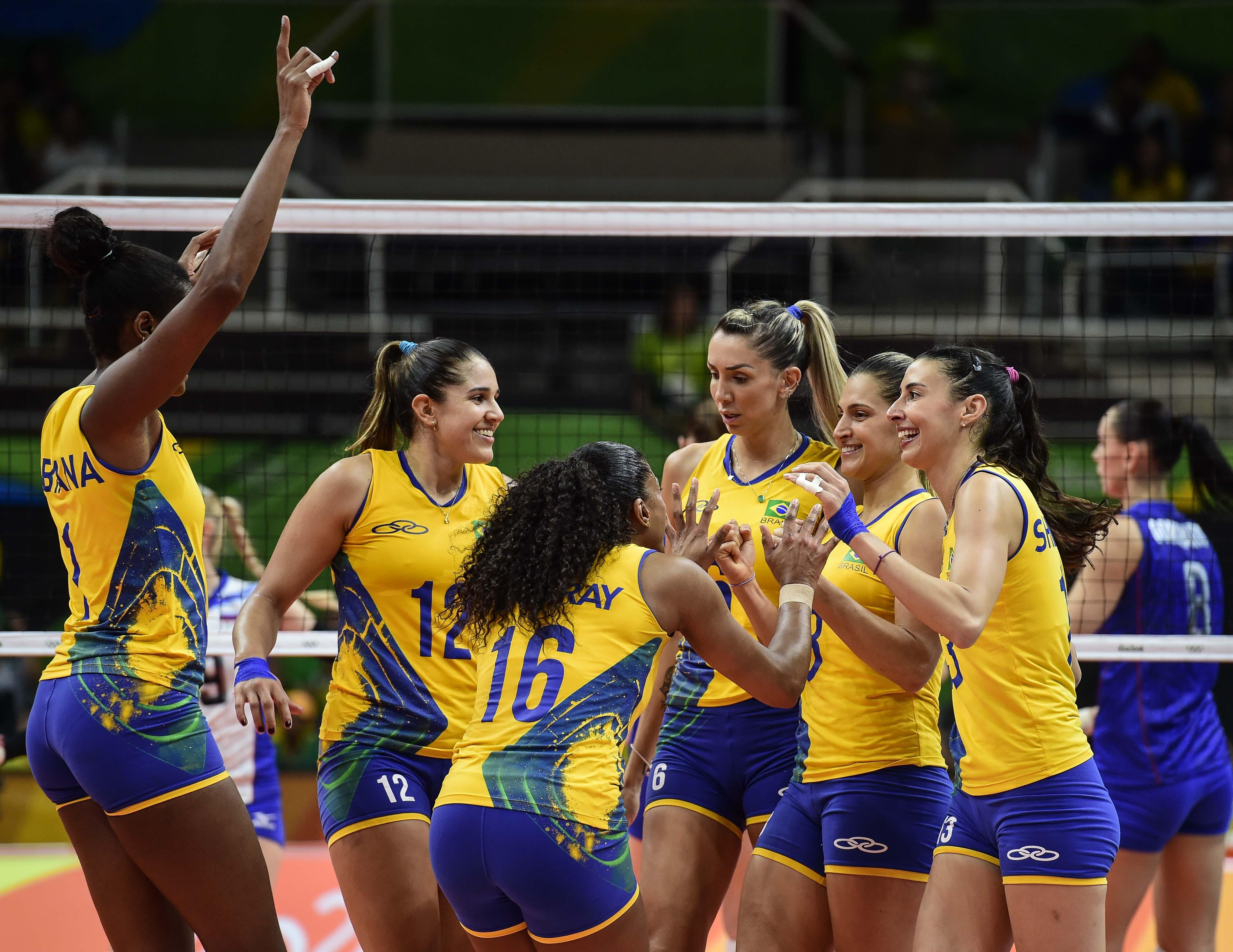 Brasil vence a Rússia e se classifica em primeiro lugar