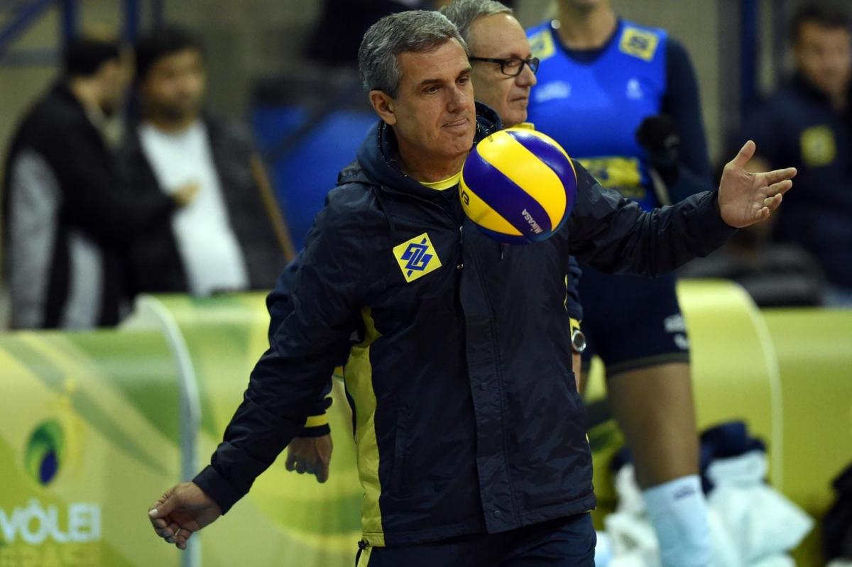 José Roberto Guimarães integra comissão técnica e de treinadores da FIVB