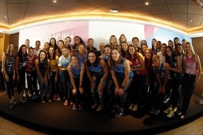 Dois jogos com transmissão agitam dia de abertura da competição feminina