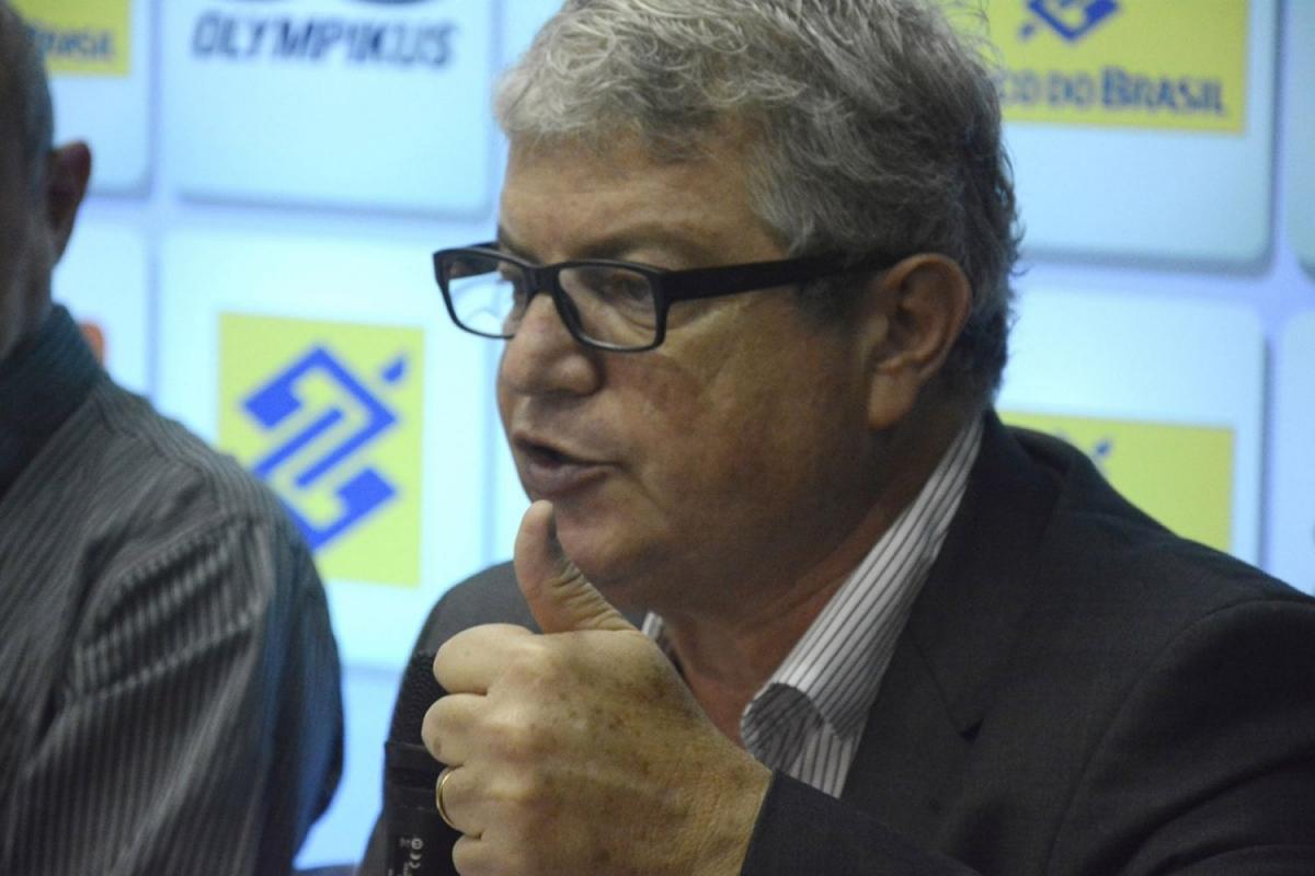 Diretor executivo da CBV faz palestra em Congresso Nacional de Atletas do Voleibol