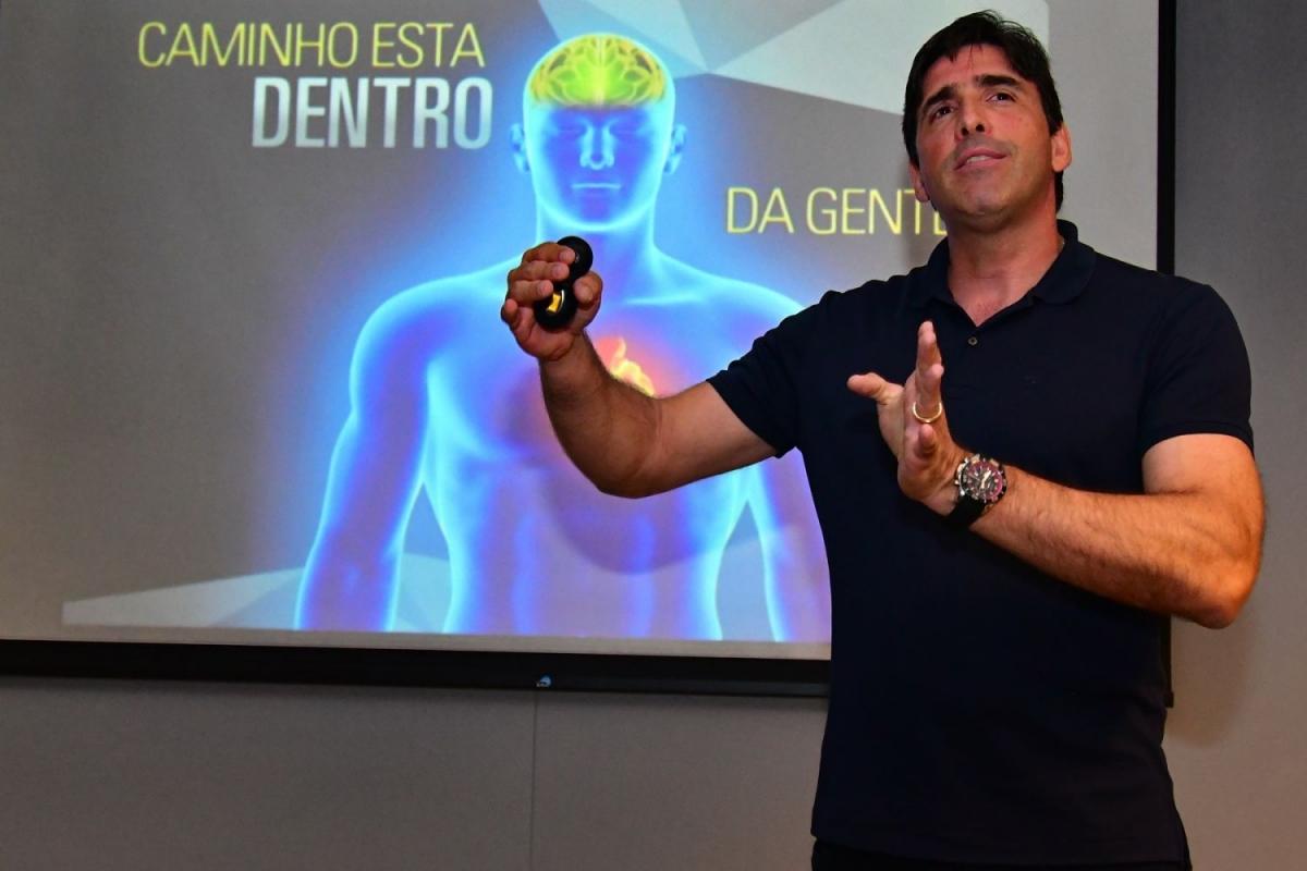 Giovane Gávio encerra II Semana de Ética com debate sobre trabalho e ética