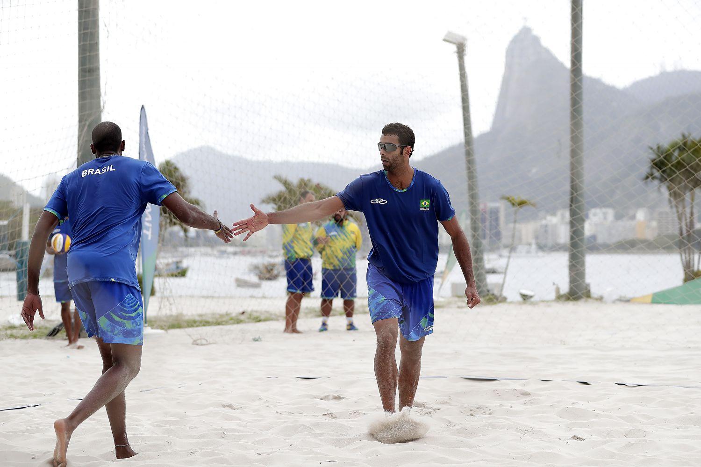 Pedro Solberg e Evandro estreiam contra cubanos neste domingo
