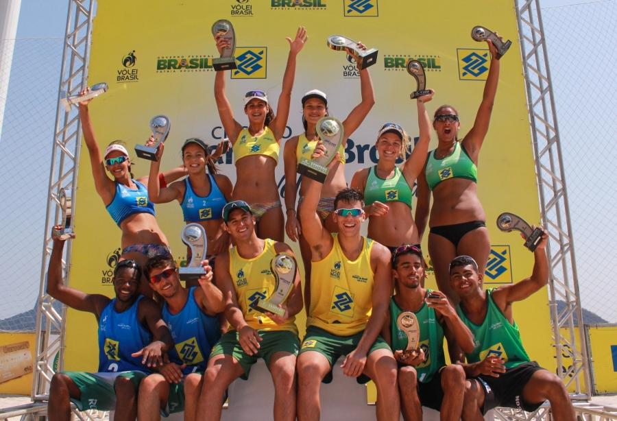 Andressa/Tainá e George/Arthur Lanci vencem etapa do Rio de Janeiro