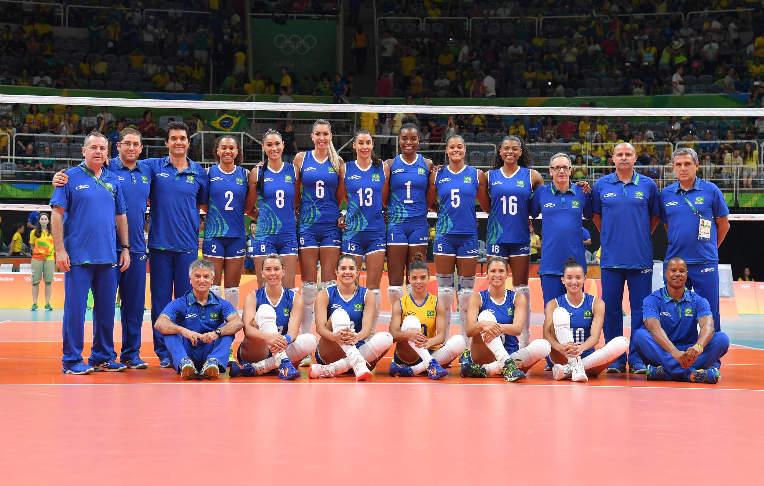 Seleção feminina estreia com vitória sobre Camarões