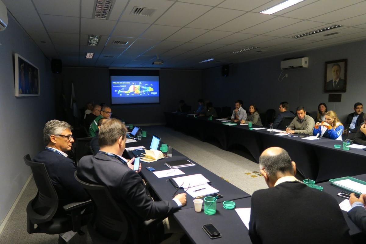 CBV apresenta planejamento de transmissão e naming rights aos clubes