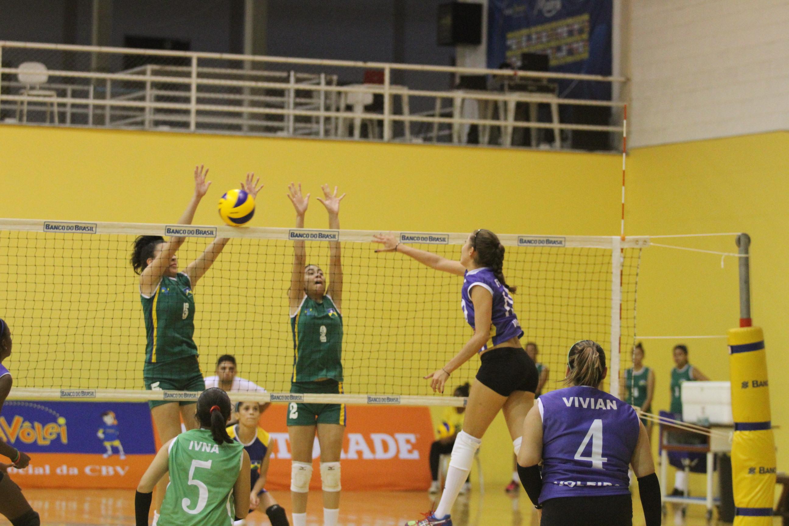 Torneio tem início com cinco partidas em Saquarema