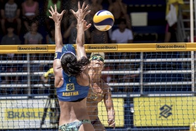 Assista os melhores bloqueios da final feminina da etapa de Maceió (AL)