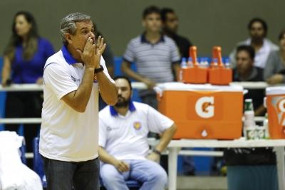 Barueri e São José dos Pinhais jogam no complemento da rodada inaugural