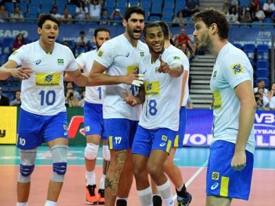 Brasil apresenta novidades e vence o Irã