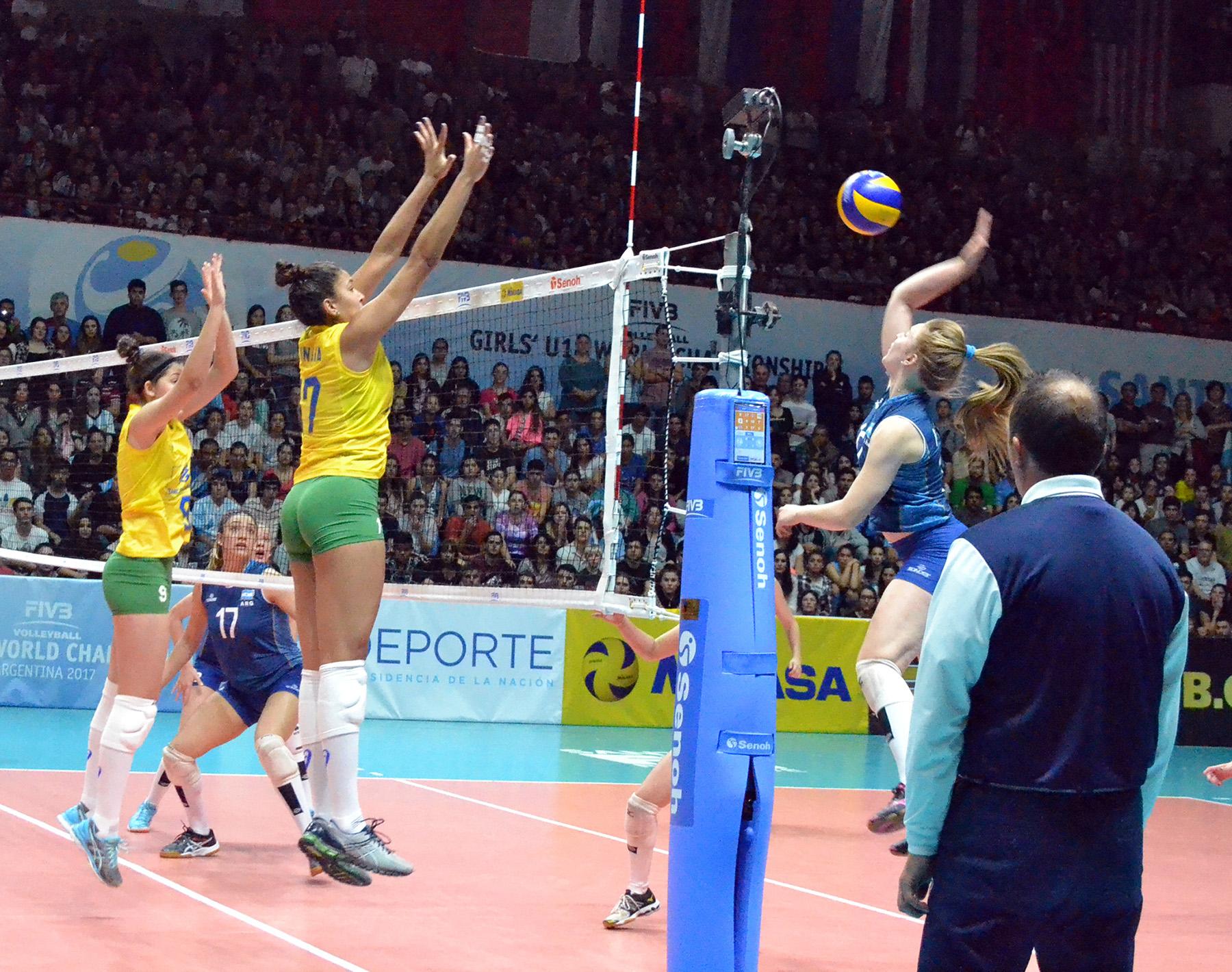 Brasil cede à pressão argentina e dá adeus à disputa pelo título