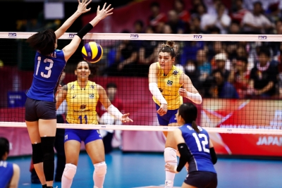 Brasil é superado pelo Japão e decide classificação para fase final em casa