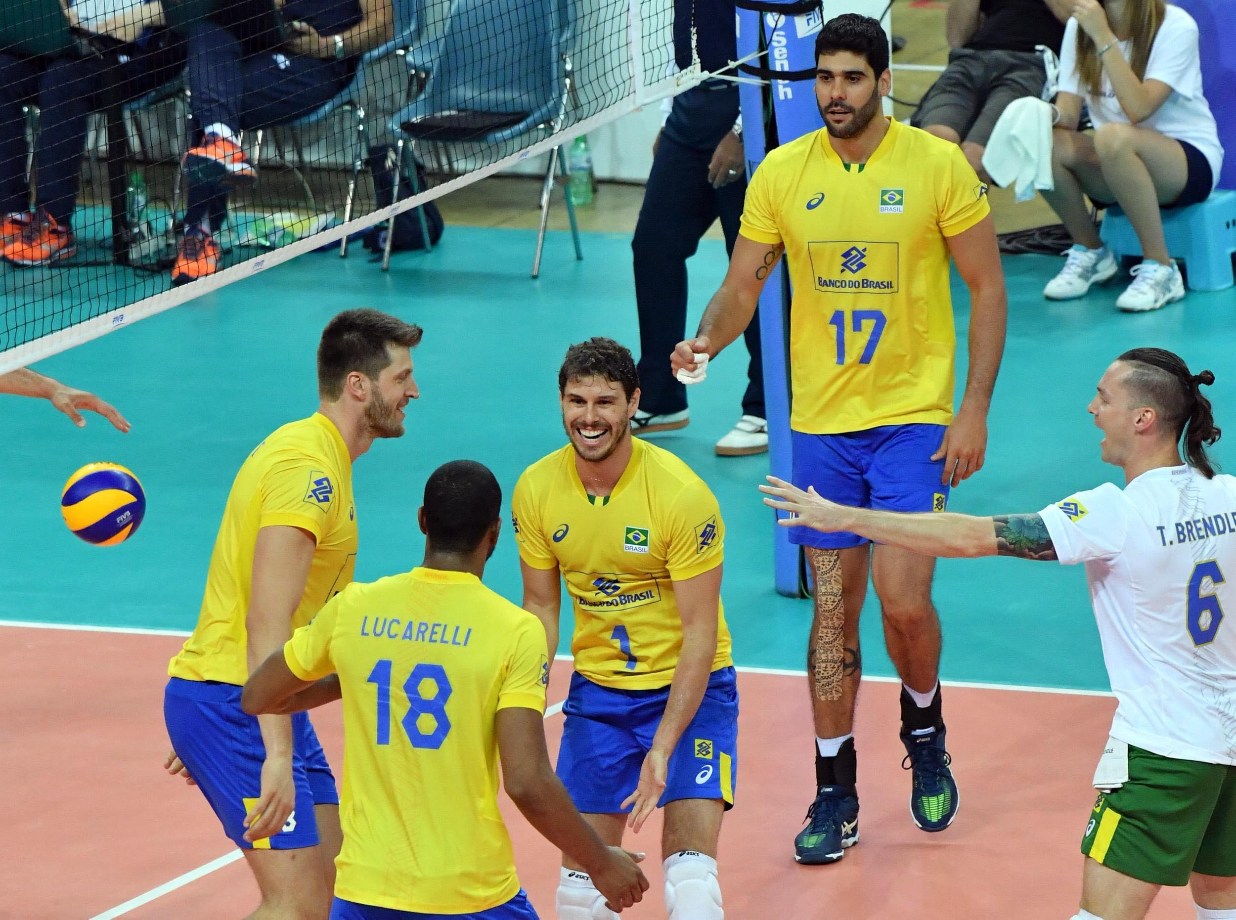 Brasil encerra primeira etapa com vitória sobre a Itália