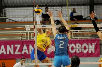 Brasil estreia com vitória sobre a Argentina