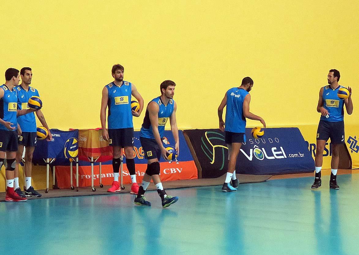 Brasil faz último treino antes da viagem para o Sul-Americano