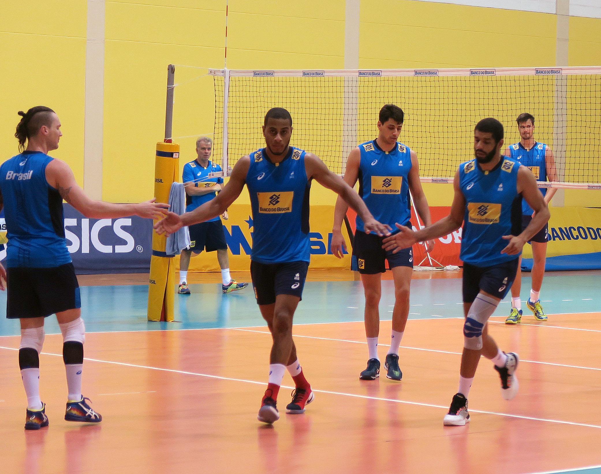Brasil faz último treino da temporada no CDV