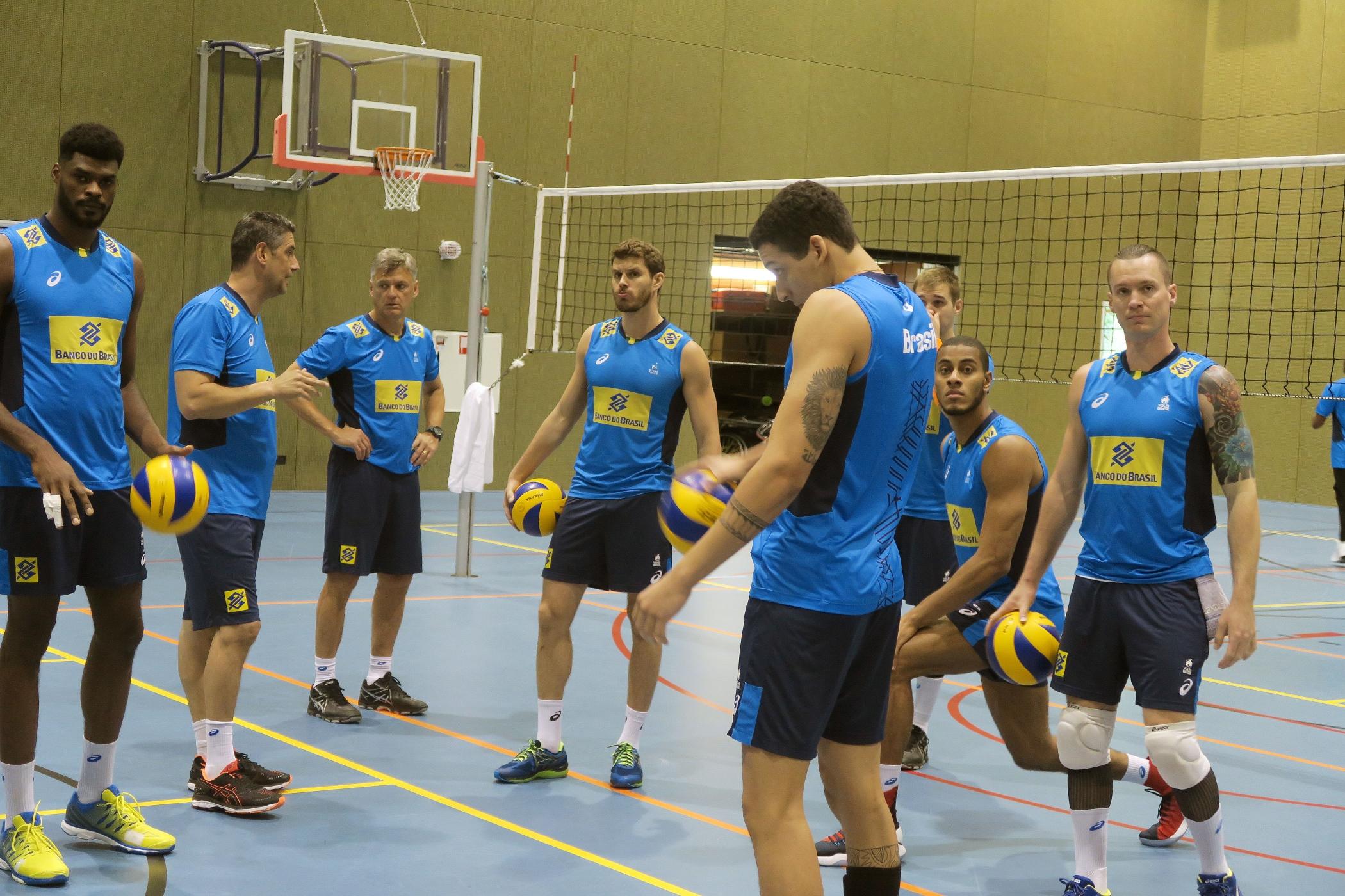 Brasil treina na Holanda em preparação para a Copa dos Campeões