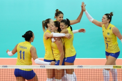 Brasil vence Holanda e segue na luta pela semifinal