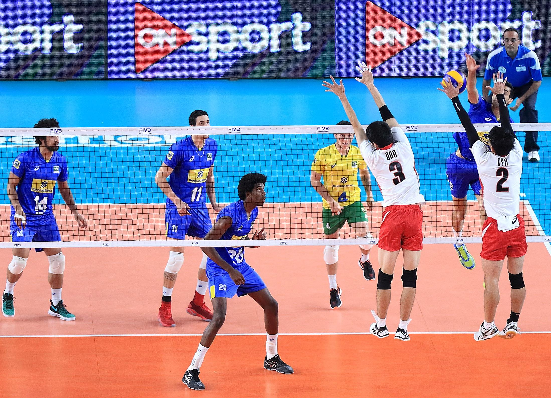 Brasil vence Japão e segue invicto para a semifinal