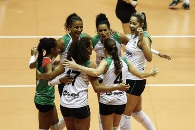 BRH-Sulflex/Clube Curitibano larga na frente na semifinal com vitória em casa