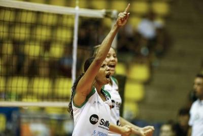 BRH-Sulflex/Clube Curitibano vence a primeira nos playoffs