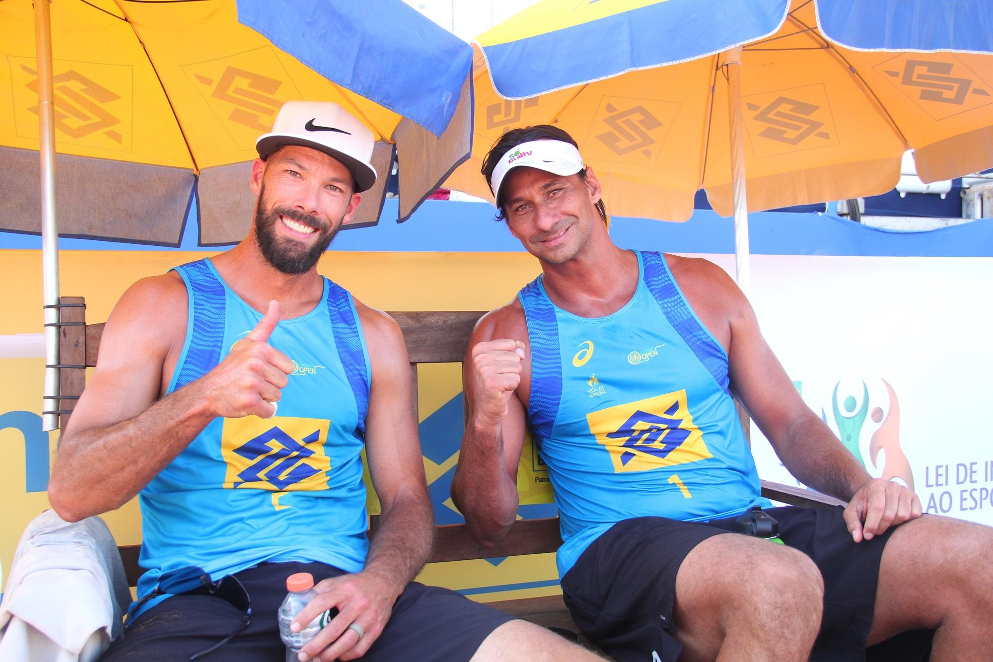 Campeão olímpico Ricardo projeta evolução em dupla com norte-americano  Priddy bba0a2304f7cd