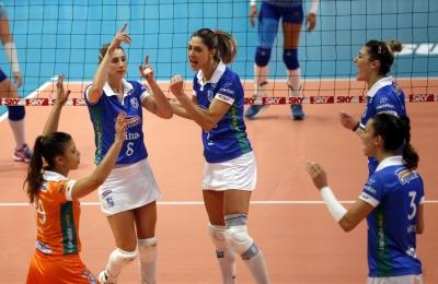 Camponesa/Minas recebe Renata Valinhos/Country na abertura da última rodada do turno