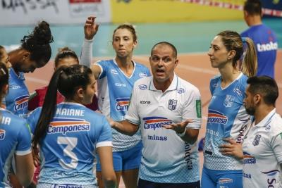 Camponesa/Minas vence Genter Vôlei Bauru e está nas semifinais