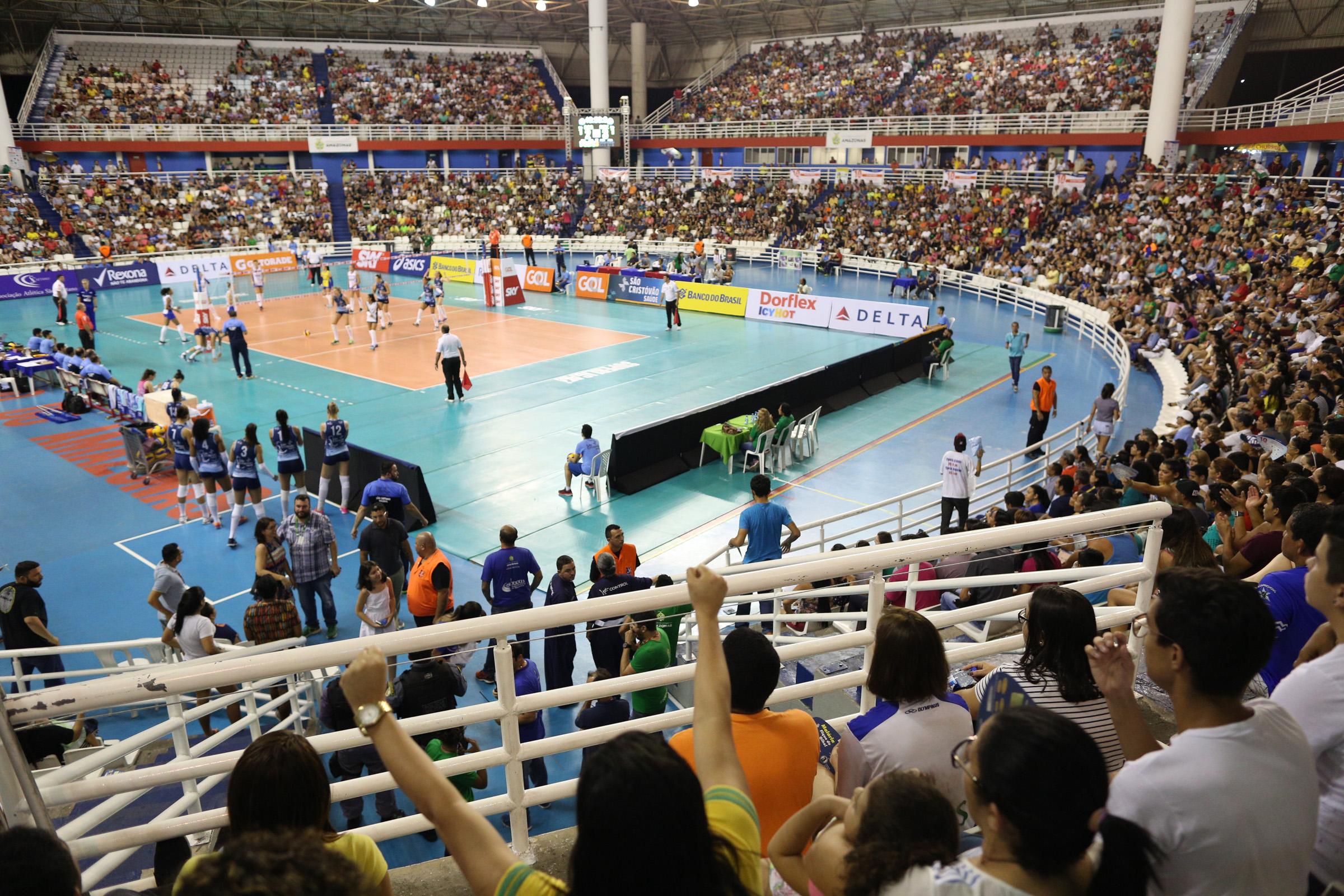 Arena Amadeu Teixeira recebeu o maior público desta edição com 5.947  pessoas (Créditos  Michael Dantas Inovafoto CBV) 38d984597c7de
