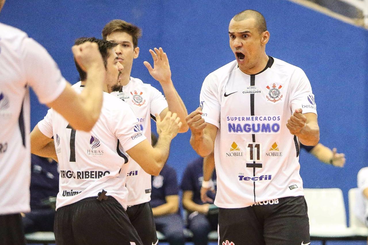 Corinthians-Guarulhos recebe o Vôlei Renata no encerramento da rodada