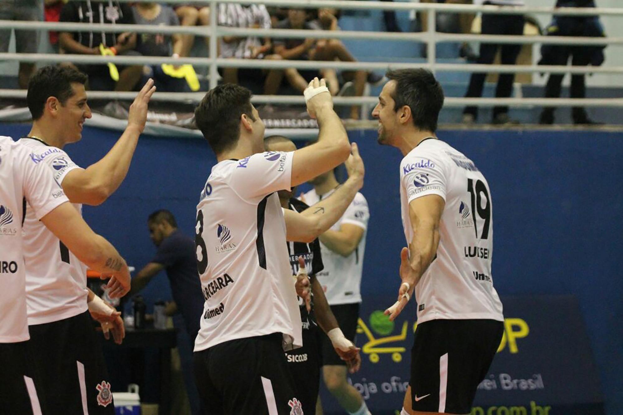 Corinthians-Guarulhos vence o Vôlei Renata no encerramento da rodada