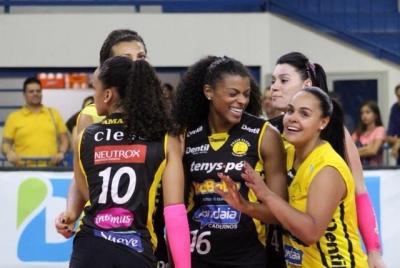 Dentil/Praia Clube duela com Vôlei Nestlé nesta sexta-feira