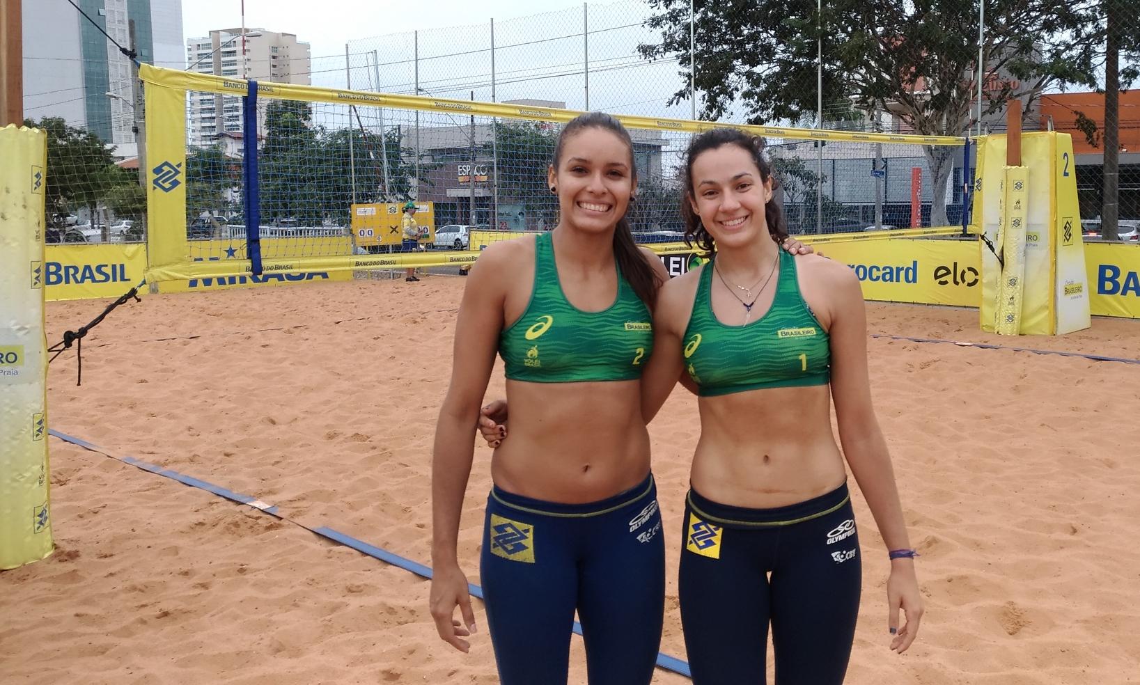 Dupla retomando parceria e atleta campeã do Sub-21 avançam à fase de grupos