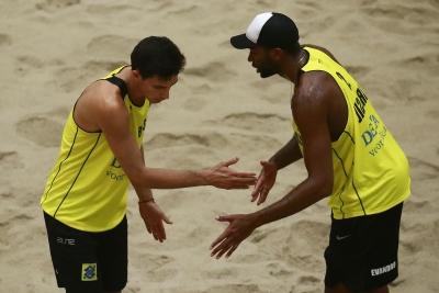 Duplas masculinas do Brasil se despedem do torneio em Haia