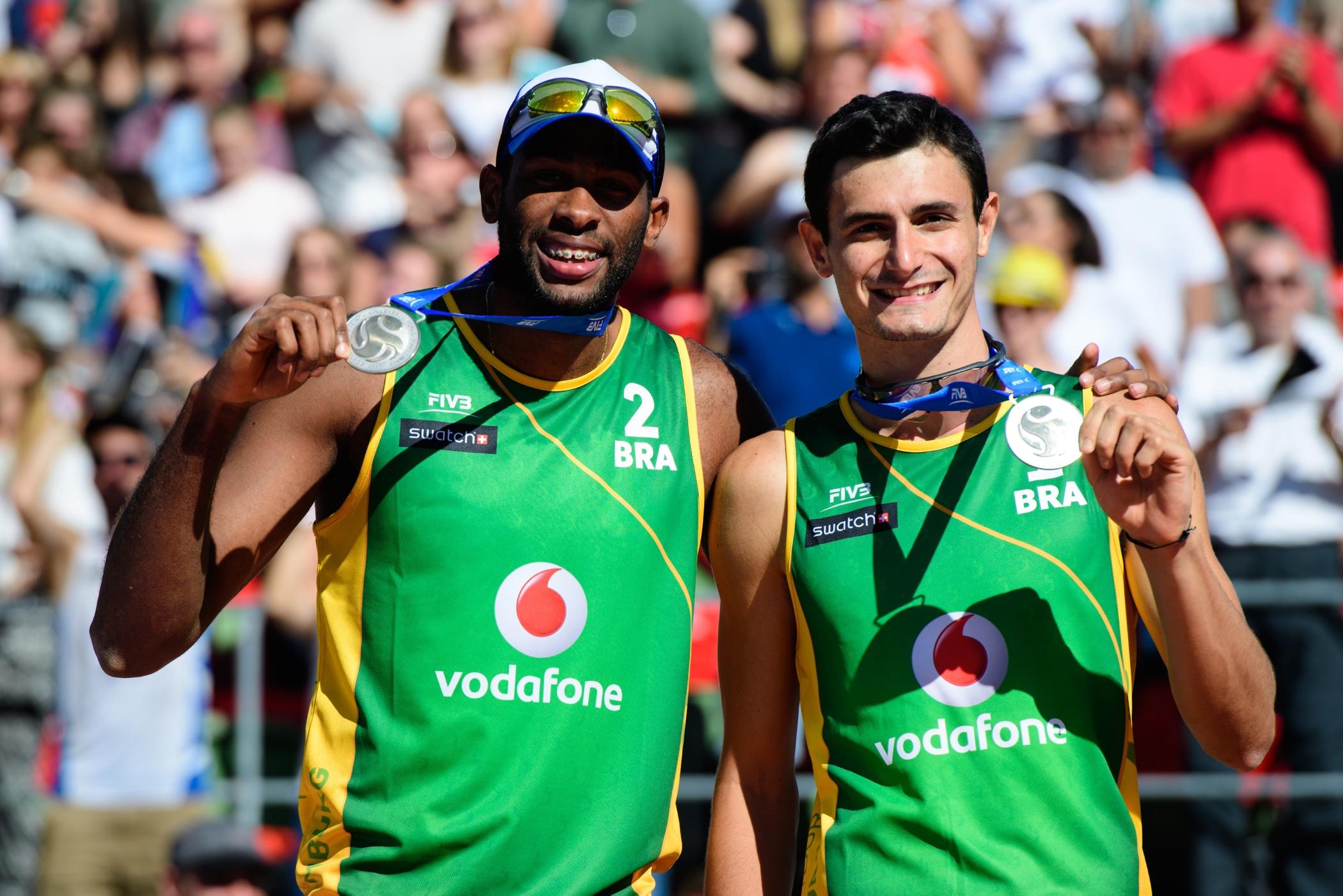 Evandro e André ficam com a medalha de prata no Finals, em Hamburgo