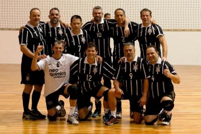 Inspirados em Serginho, Corinthians busca título contra Castelo Tijuca