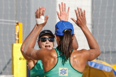 Juliana e Carol Solberg vencem country quota e avançam na disputa por vaga no Rio