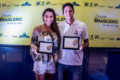 Larissa e Álvaro são eleitos os melhores da temporada 2016/2017