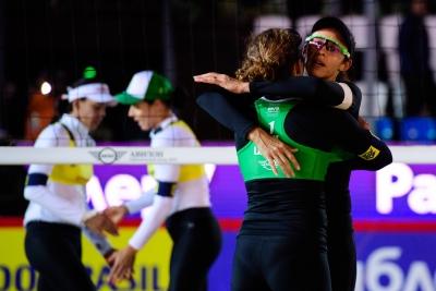 Larissa e Talita superam Ágatha/Duda e Brasil lutará por ouro e bronze