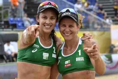 Larissa e Talita vão à final na Polônia, e Ágatha/Duda duela pelo bronze