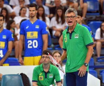 Líder do Grupo A, seleção brasileira chega a Bulgária para mais três jogos