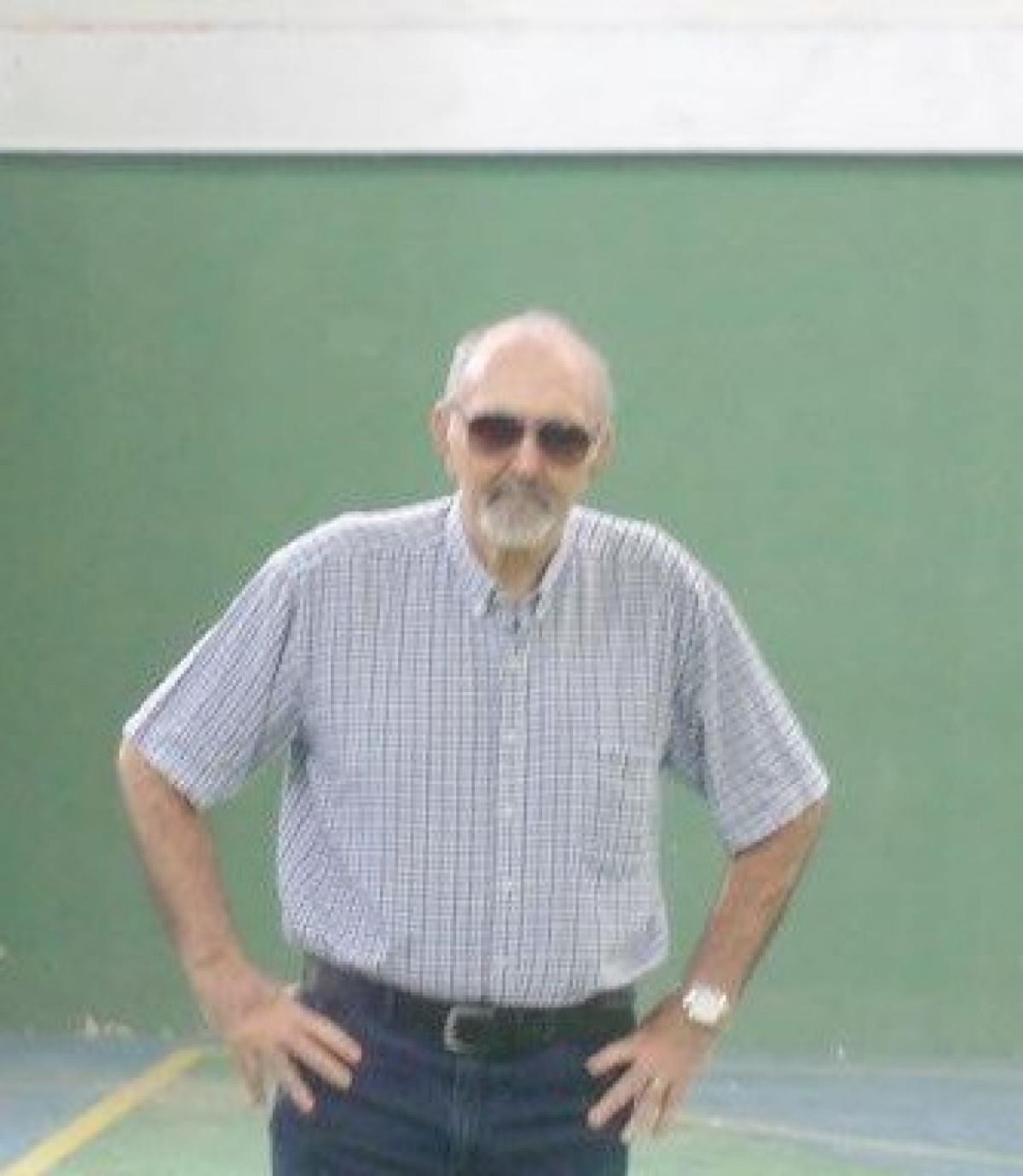 CBV presta homenagem a Roque Maron